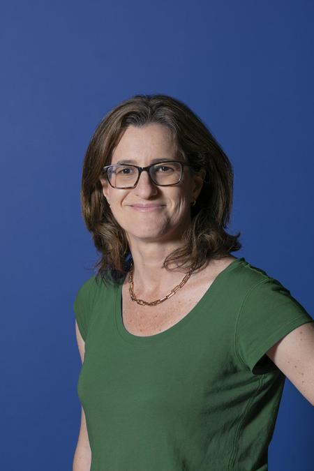 Gabriela Vinader, Parent Governor