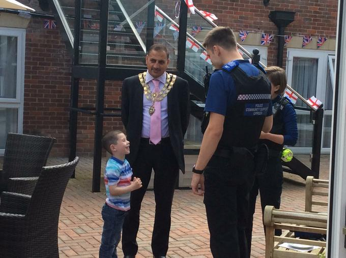 Owen chatted to the Major and the police officers.