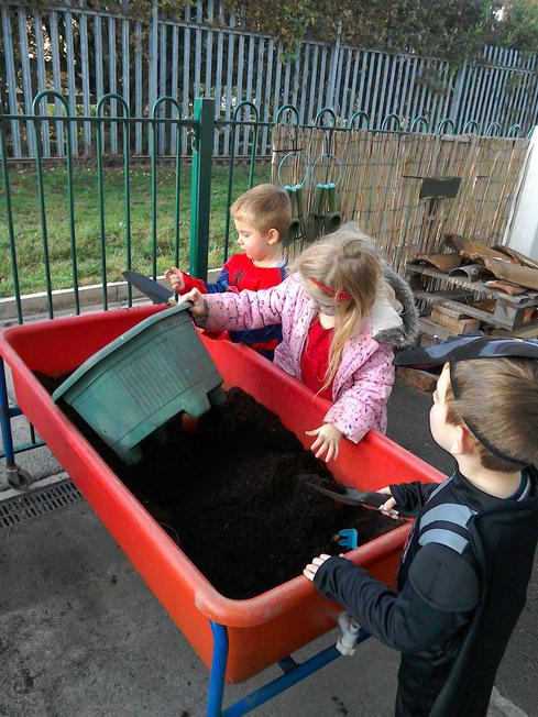 A new tray to play in - soil and digging
