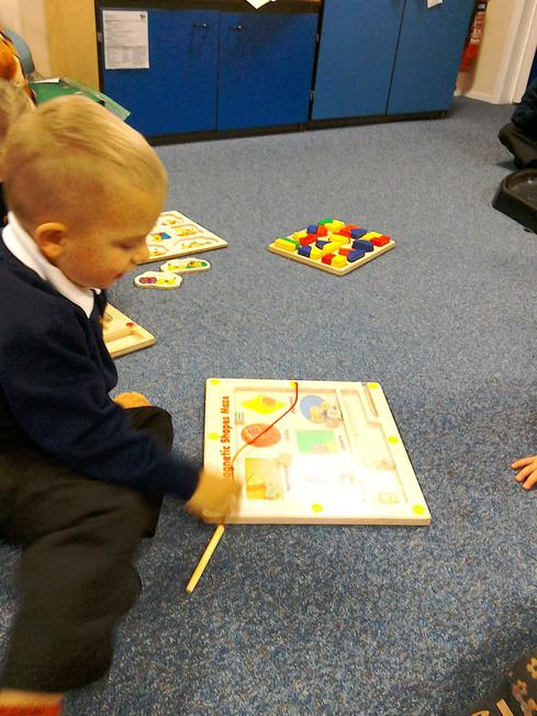 magnetic jigsaws - sorting colours