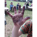 What mucky hands!