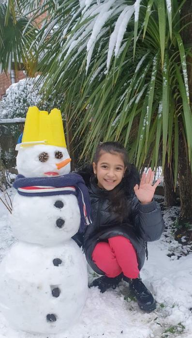 Rebeca - enjoying God's wonderful creation - SNOW!!!!