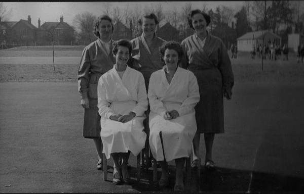 dinner ladies 1958