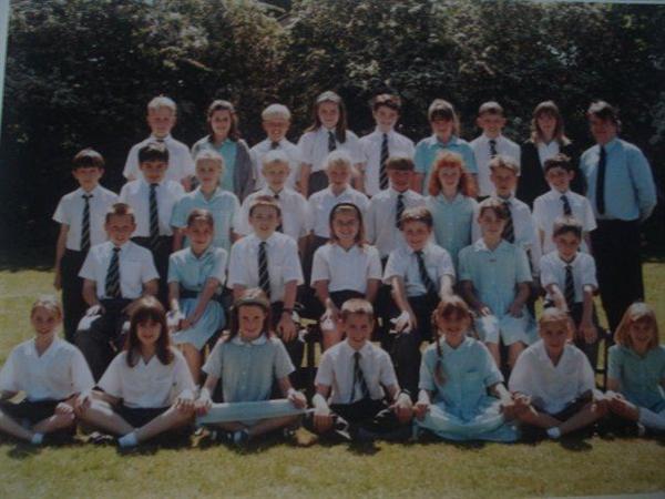 Mr.Irvine's class-year 5 1997-98