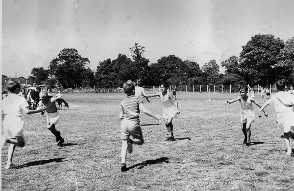 1958 sports day relay