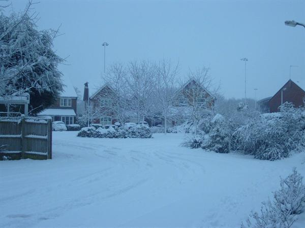 A snowy Gower Road, Horley