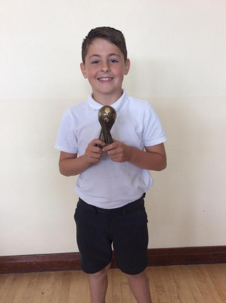 Well done Ollie for the U9 Commitment Award in ⚽️