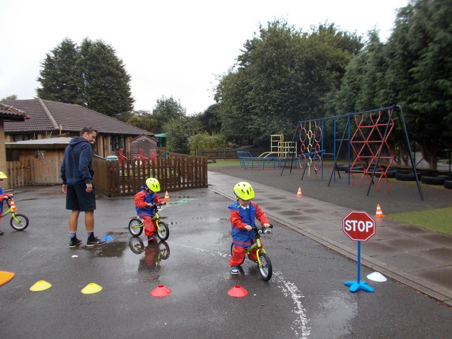 Look at the Foundation GO on their balanceabilty bikes.