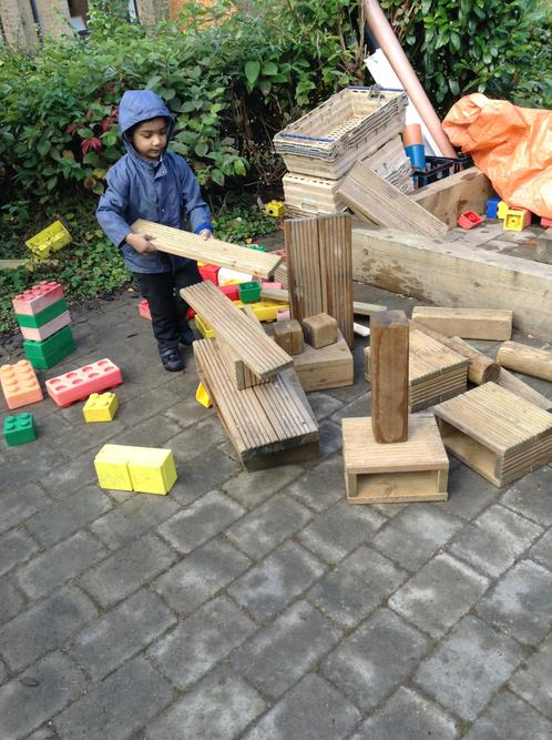 Building with large construction materials!