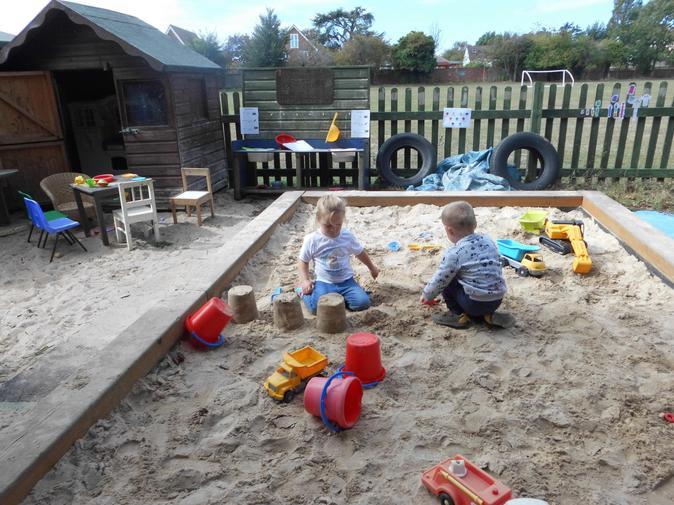 Building 3 sandcastles