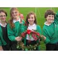 year 6 make Christmas Wreaths