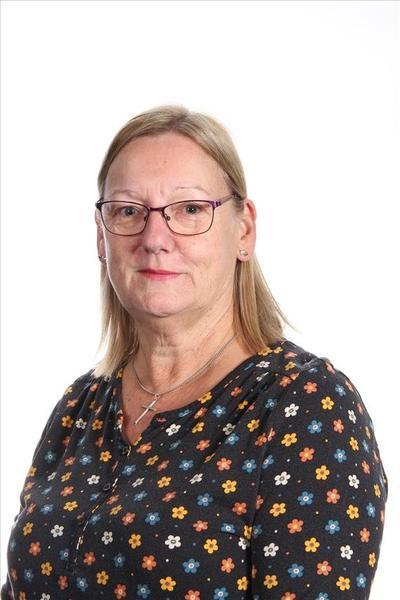 Mrs V Merritt, Lunchtime Supervisor
