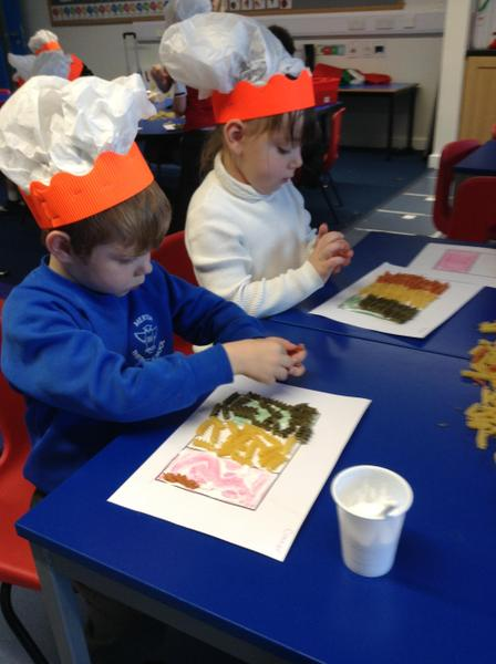 Recreating the Italian flag using coloured pasta