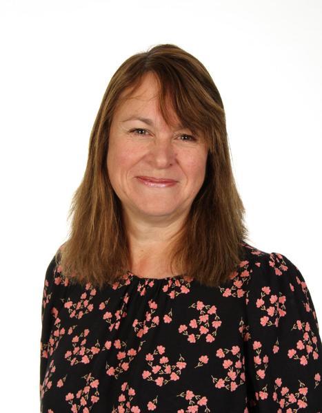 Mrs L Estlea, Owlets Class Teacher