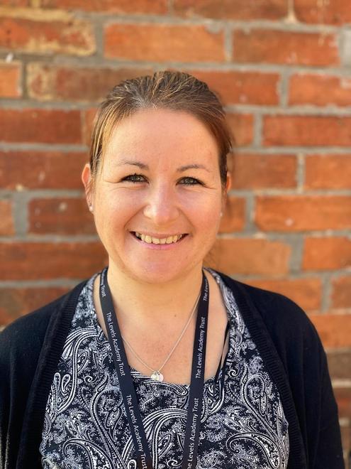 Mrs Michelle Barnett- Office Assistant