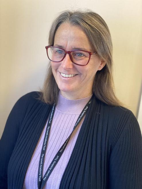 Mrs Heidi Braitwaite- Office Assistant