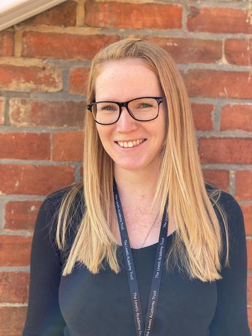 Miss Aisling Robertson- Dragons Class Teacher Year 5/6