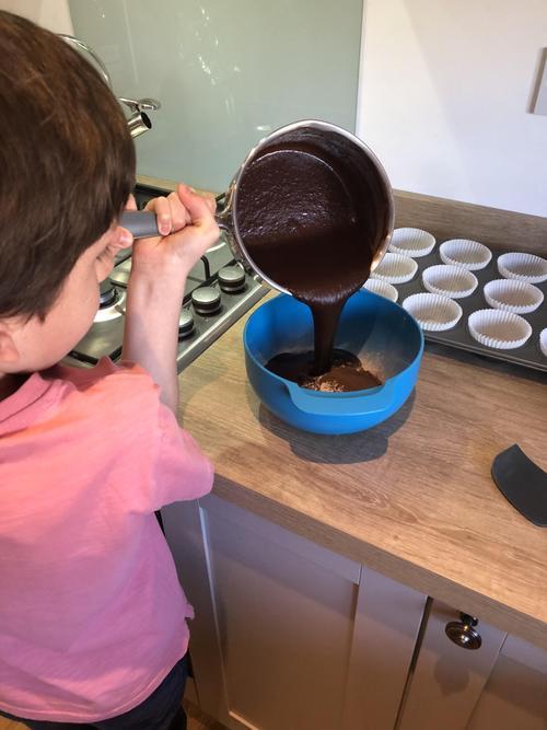 Kit in the Kitchen - looks very chocolatey!