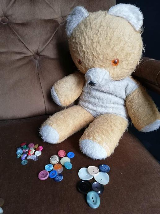 Big Ted sorted the buttons by size. Small, medium and large.