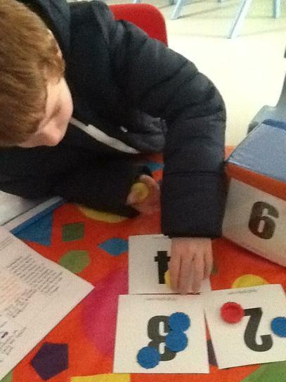 Callum matched a quantity to the numeral