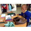 Sange problem solving using shoes and boxes