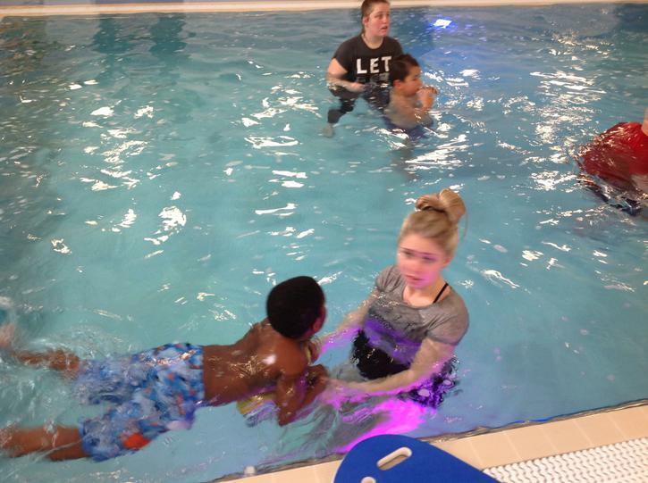 Adonai is practising swimming without armbands!