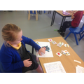 Mia enjoued creating the sentences for the picture