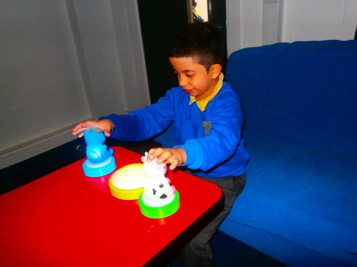 Naji creating a sequence with the touch lamps