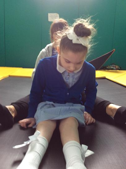 24/5 Louise maintain her balance without while being bounced