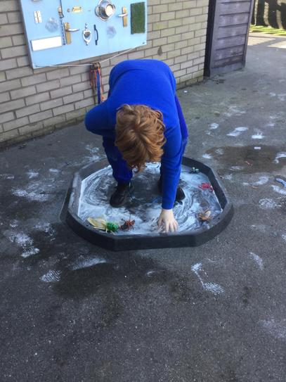 We had lots of fun in the sensory trays outside!