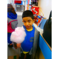 Naji tasted the candyfloss