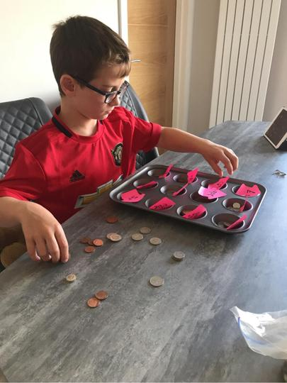 Zak counting money!💰