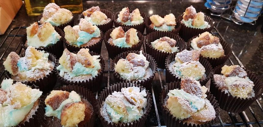 Oliver's vanilla cupcakes