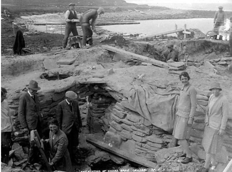 Archaeologists working at the Skara Brae site 1920