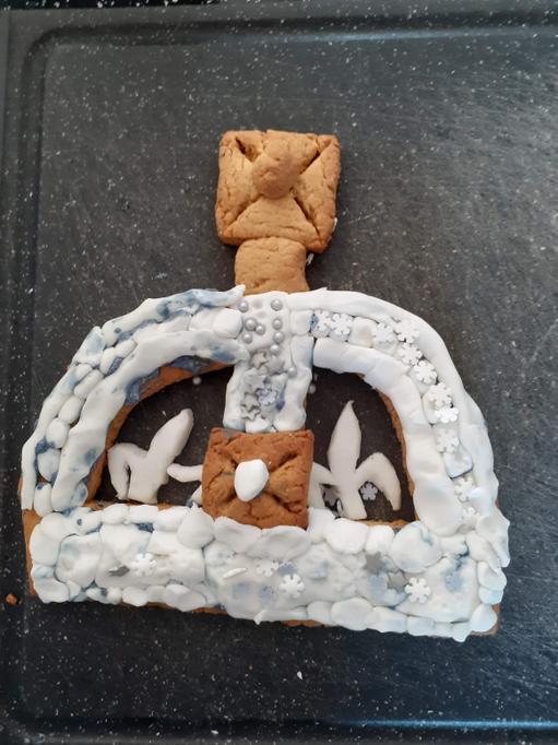 Lucas's gingerbread crown.