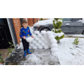 Darin made a snow wall