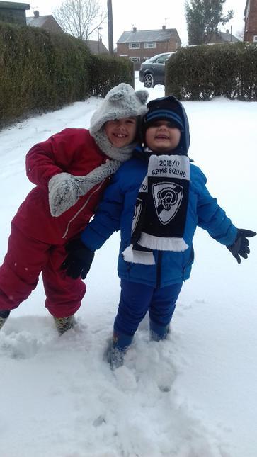 Ava-Mai and Jacob enjoying the snow