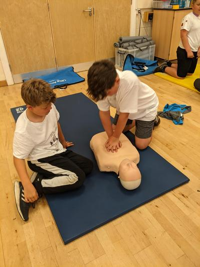 CPR training - responsible citizens