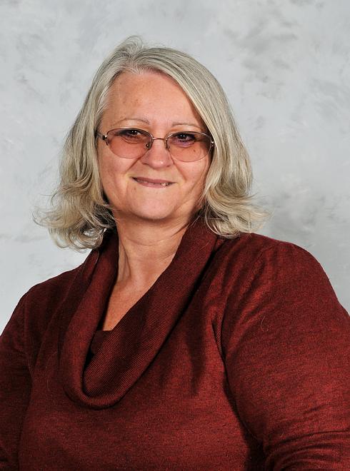 Mrs Lorraine Peddel