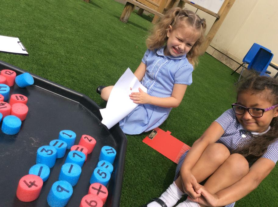 numeracy outdoors, making number sentences