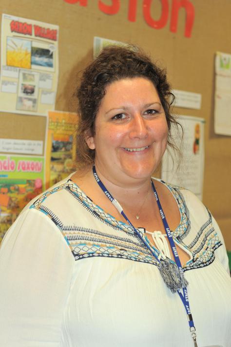 Mrs K Schofield: Y4 Teaching assistant