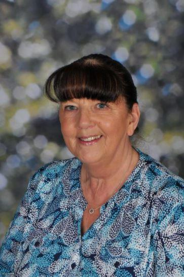 Mrs McCandless (Senior Lunchtime Assistant / Reception Cleaner)
