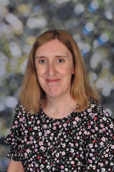 Mrs L Griffiths - Y1 teacher, KS1 Phase Lead & Reading Lead (CLT)