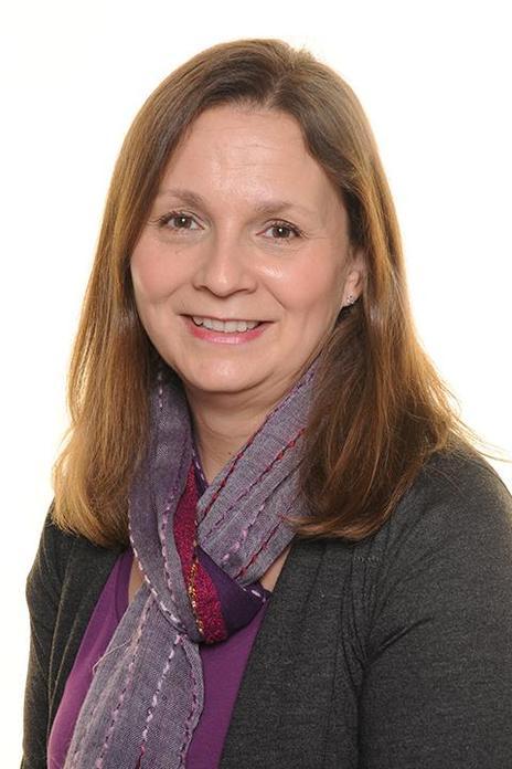 Ms Zoe Nicholson - Y1/2 Class Teacher