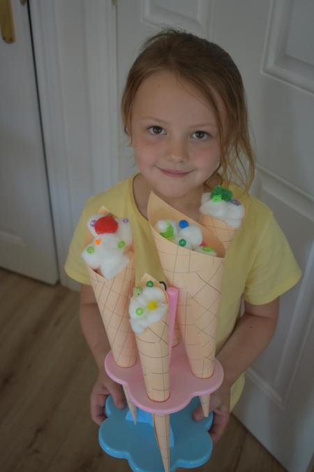 Poppy has made icecreams