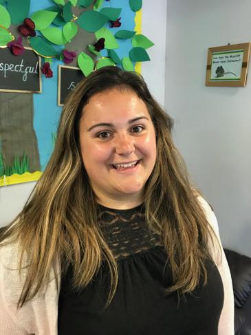 Mrs Holly Raymond, Teacher