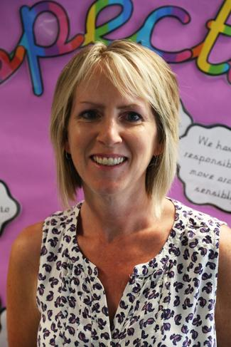 Mrs Kerry Searson, Teaching Assistant