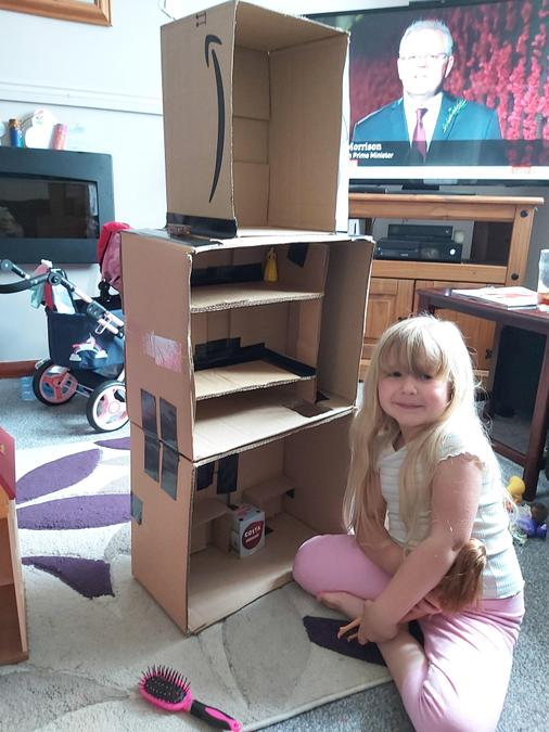 The finished dolls house!