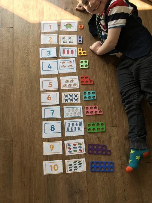 Numicon counting.
