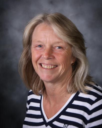 Mrs Liz Villis, Midday Supervisor